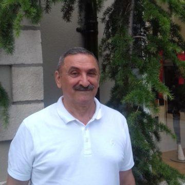 Валерий Петков